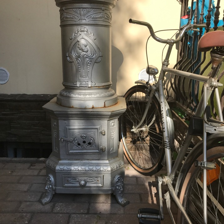 Round Metal Stove, Satu Mare, Casa Transilvania pension 2