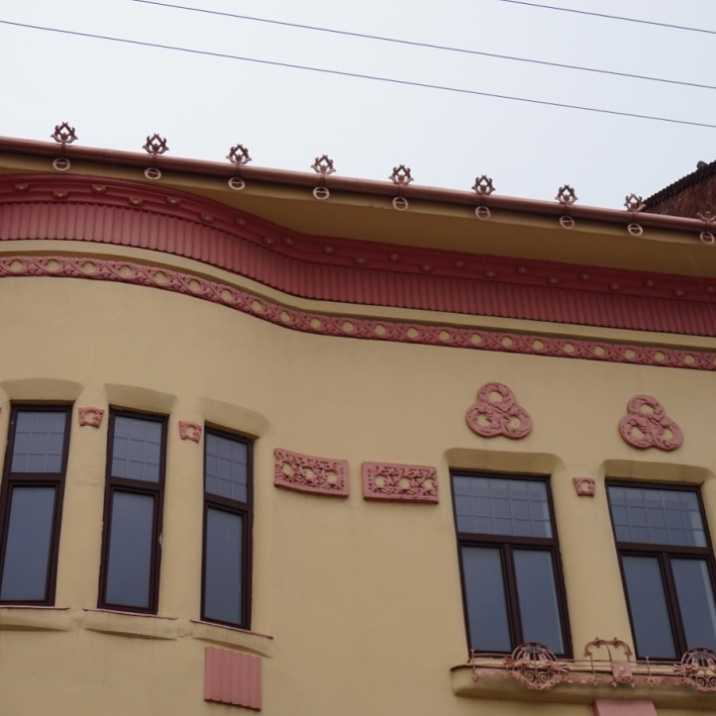 Roof ornaments, the waterways, Oradea