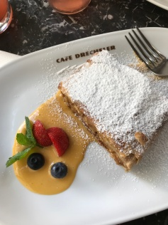 Cafe Drechsler, Apple strudel and vanilla sauce