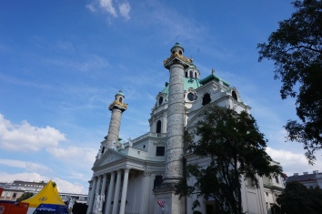 Saint Charles Cathedral, Karlsplatz