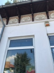 Detail of house spotted in Câmpulung