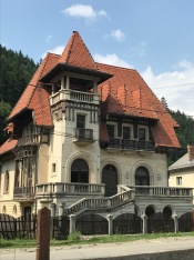 House located in Rucăr; it displays modernist features but also Central European (even Bavarian), as well as Southern (Wallachian) vernacular influences