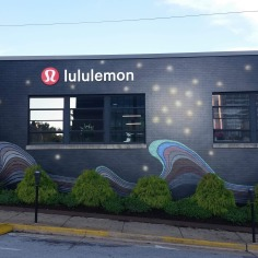 Lululemon shop, facade decoration by artist Jason Jones, Fayetteville, Arkansas
