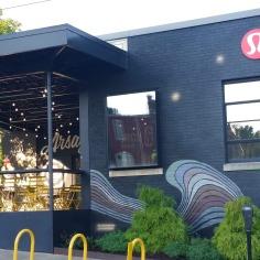 Lululemon sportswear shop facade, Fayetteville, Arkansas