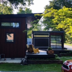 The Amp House of artist Asha Mevlana, side view
