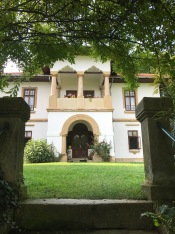The Entrance of Ștefan Golescu Villa, Câmpulung