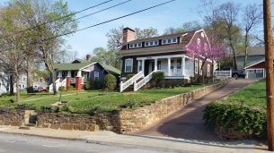 Street View, Dutch Colonial Style