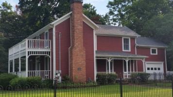 Washington Willow, historical district house, Fayetteville, NW Arkansas