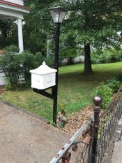 Mail_box_spotted_in_Eureka_Springs, AR, US