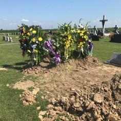 Slovak Catholic Cemetery, Graves, side view