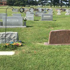 Slovak Catholic Cemetery, Stone graves 10