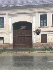 Gate on Caragiale Street, Rasnov