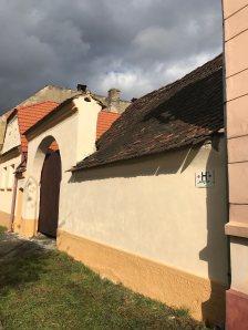Gate on Florilor St., Rasnov