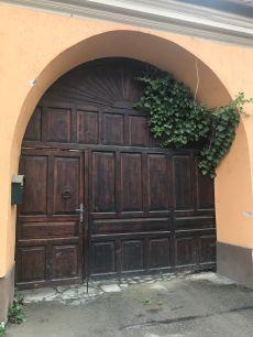 Gate on I.L.Caragiale Str., Rasnov