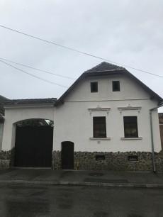 Gate on I.L.Caragiale Street, Rasnov (Rosenau)