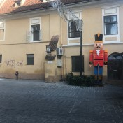 Nutcracker_on_Michael_Weiss_Street,_Brasov